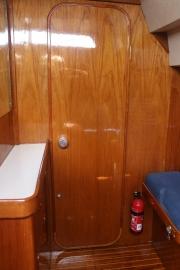 Door from aft cabin to aft head