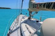 Port side deck with spinnaker pole