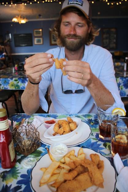 Crab eating in Tangier